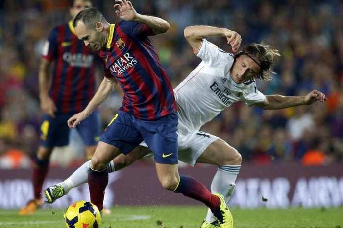 barcelona-03-12-2016-real-madrid-iniesta-modric
