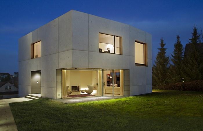gotovii-dom-iz-betona