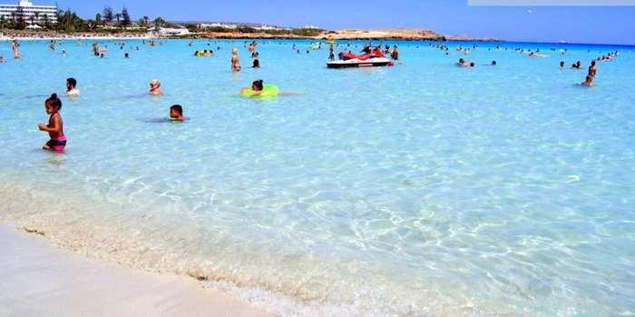 Nissi-Bay-Beach