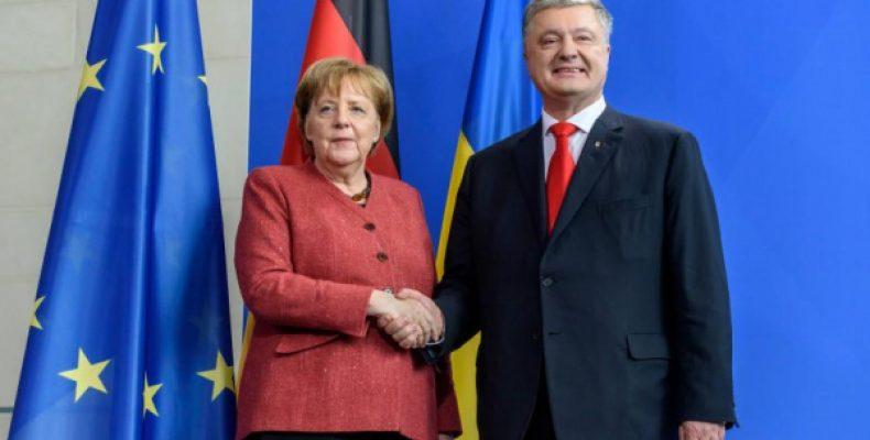 Встречу Меркель с Порошенко назвали ошибкой