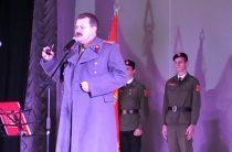 СМИ: в Севастополе коммунисты спели с детьми «Верните Сталина»