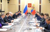 На совещании Путина с правительством перед отставкой солировали три министра