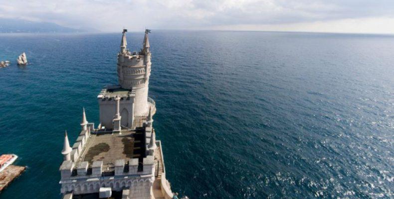В Крыму на заявления Зеленского о возвращении полуострова ответили предложением о референдуме