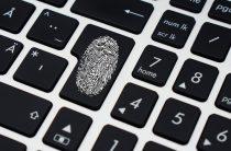 США обвинили 12 сотрудников российских спецслужб в кибератаках на выборы