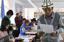 Коммерсанты эвакуируют товар из магазинов Бишкека в ожидании результатов выборов
