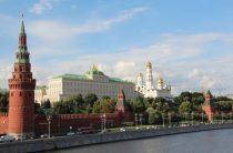 «Ъ» о перестановках в Кремле: Суркова, Ушакова отправят в отставку