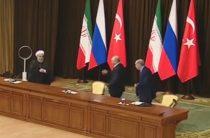В Сети обсуждают видео Путина, уронившего стул Эрдогана
