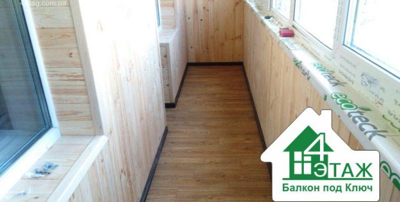 Отделка балкона деревянной вагонкой — особенности
