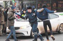 «Забастовке избирателей» отрубили голову сразу: Навального задержали, участников не брали