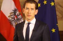 Австрийская пресса советует своему федеральному канцлеру не «целовать перстень московскому царю»