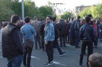 Армения погрузилась в хаос революции