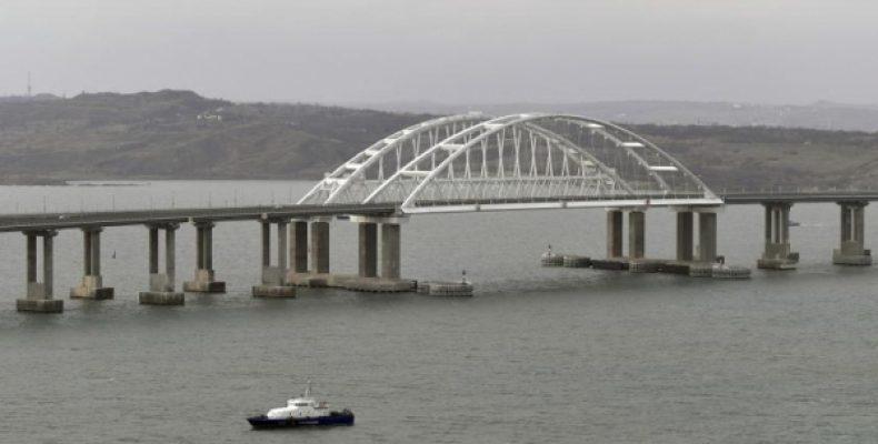 На Украине встревожились угрозой ядерной базы России из-за Крымского моста