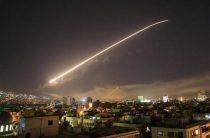 Макрон: Франция убедила Трампа ограничить число ударов по сирийским объектам