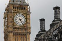 Британский министр подал в отставку из-за секс-скандала: обнародованы тысячи смс
