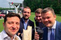 Шаурма и красные трусы: как прошли 100 дней Зеленского