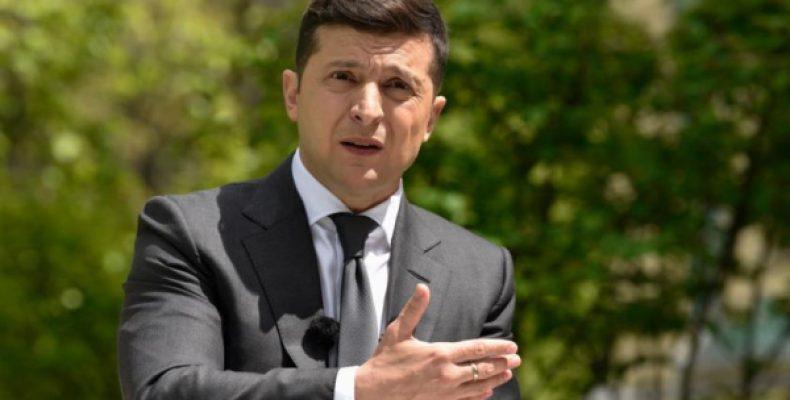 «Преступление не закончено»: Зеленского хотят засудить из-за Крыма