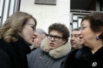 Собчак разделила даже семью Немцова: конфликт из-за мемориальной доски