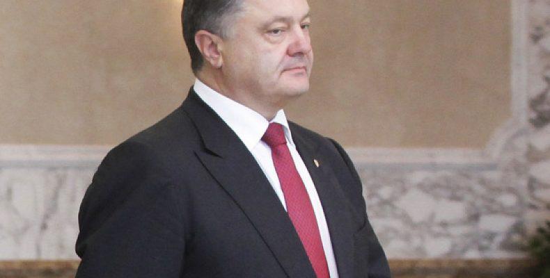 На суде по делу Януковича ради Порошенко раздели журналисток