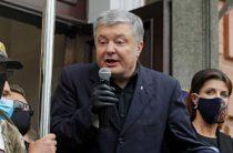 Порошенко обвинили в тайных договоренностях с Путиным