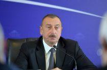 Алиев разгромил конкурентов, которые призывали переизбрать его президентом Азербайджана