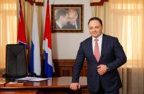 Глава Владивостока Игорь Пушкарёв досрочно сложил с себя полномочия за год до их официального истечения