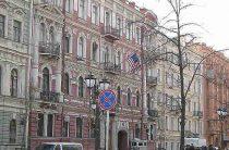 Американцев выгонят из Петербурга по интернету: так решил народ