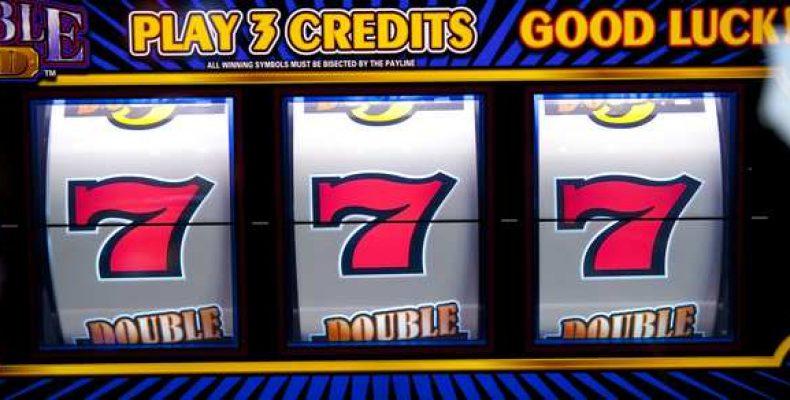 В чем причина того, что люди играют в игровые автоматы на реальные деньги