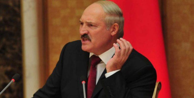 «Хватит издеваться»: Зеленский ополчился на Лукашенко из-за ситуации с выборами