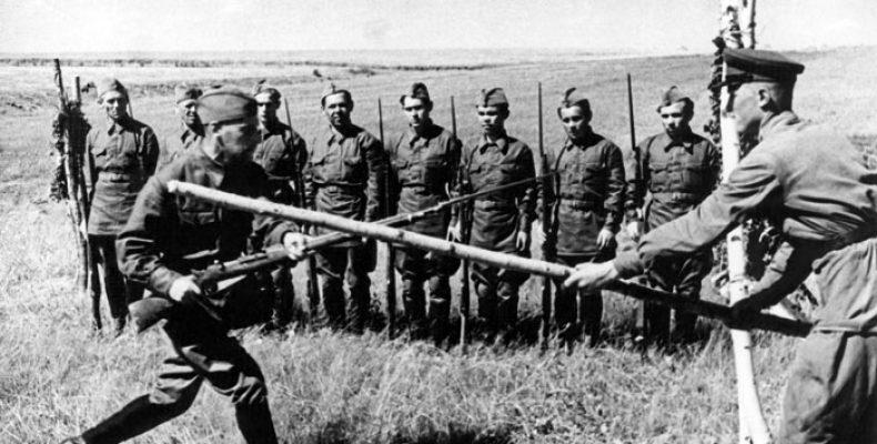 Опубликованы редкие фото времен войны
