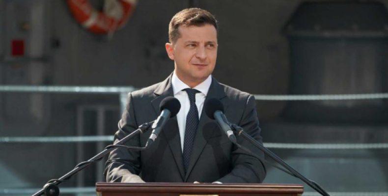 «После случаются беды»: Зеленскому предложили отменить официальные визиты