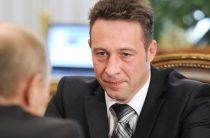 Игорь Холманских уволен: президент произвел ротацию полпредов в федеральных округах