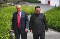 Историческая встреча лидеров США и КНДР завершилась конфузом