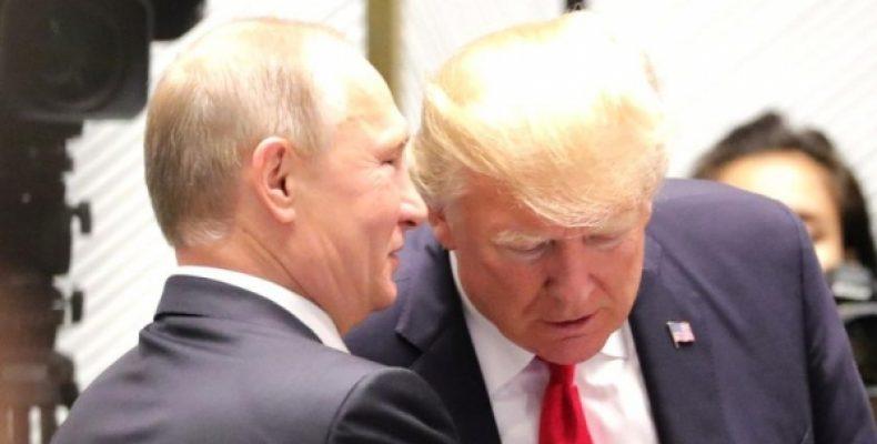 Путин не стал приветствовать Трампа на саммите