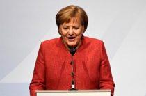 Меркель анонсировала продление санкций против России