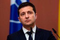 Зеленский показал у границы с Крымом витрину Украины