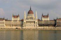 Венгрия пообещала заблокировать любое сближение Украины с Евросоюзом