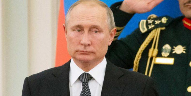 Путин катался по дворцу короля Саудовской Аравии на электромобиле