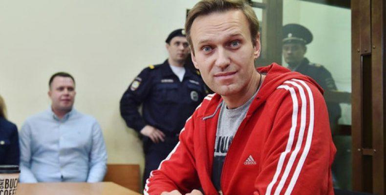 Немецкие эксперты: протестам Навального помешает удачная игра сборной России