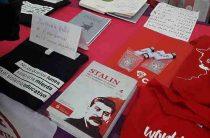 На Фестивале молодежи в Сочи продают сочинения Сталина