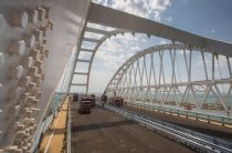 Крым оценил заявление Украины о проблемах из-за Керченского моста: «Агония»