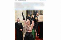 На Венском балу Порошенко «атаковала» активистка Femen с голой грудью