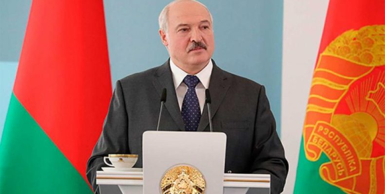 Лукашенко подколол Россию за Парад Победы