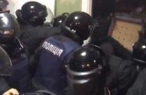 Суд в Киеве разгромили