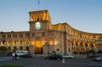 Армения взорвалась новыми протестами