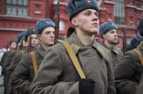 Тачанки и космические войска: в Москве отметили годовщину парада 1941 года