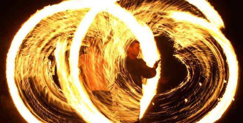 Что выбрать на праздник — лазерное или огненное шоу?