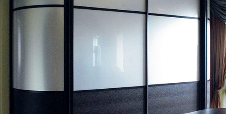 Компания «Роллингдорс» — лидер в производстве радиусных шкафов-купе