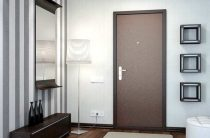 Как починить просевшую дверь в доме или в квартире?